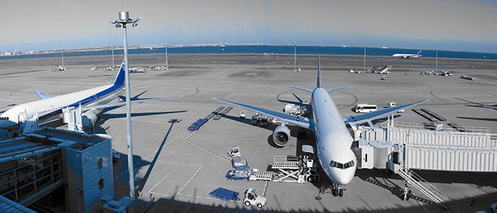 空の玄関口・空港の駐機場